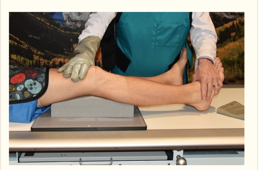 varus stress test knee xray